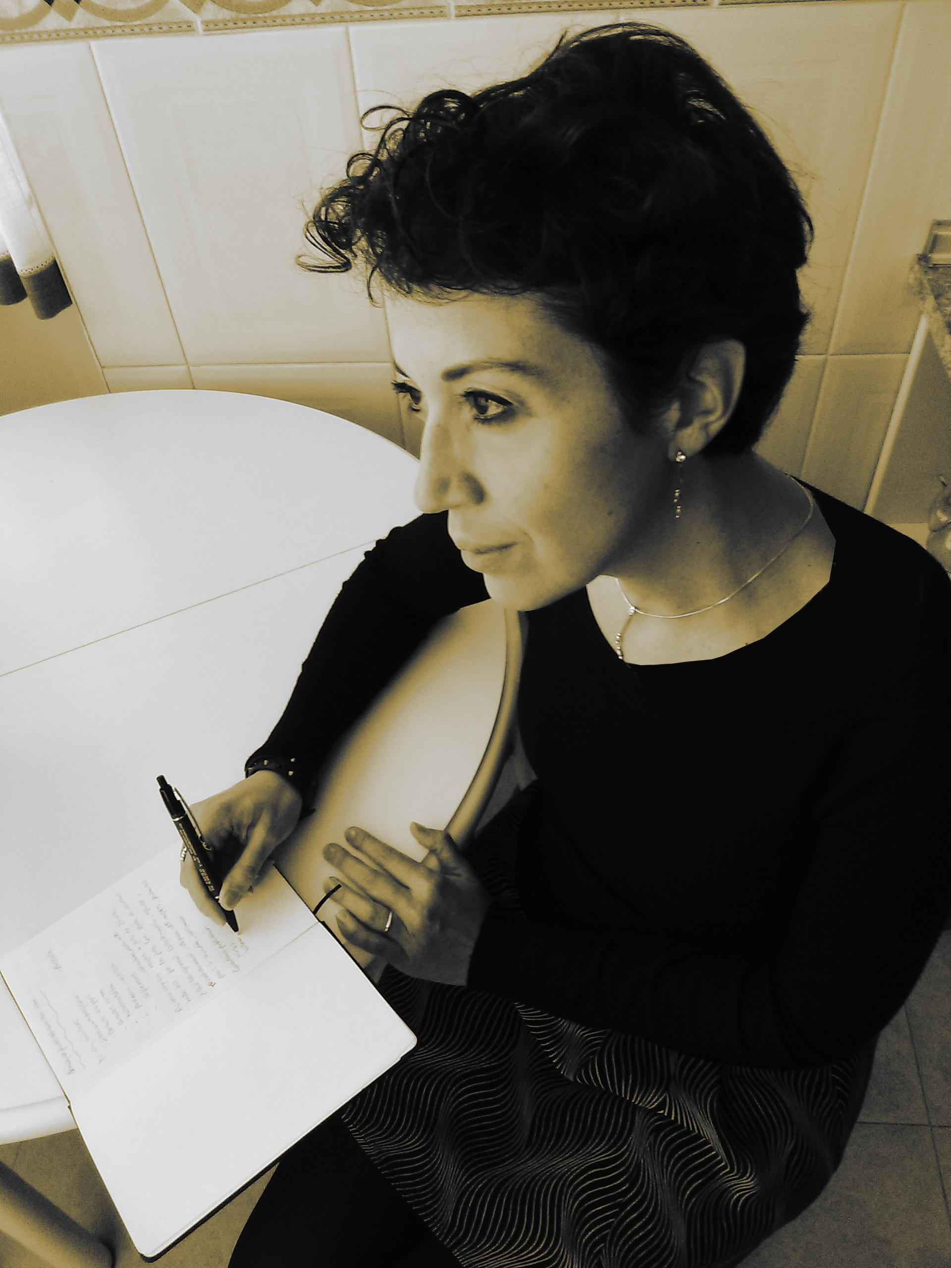 Sagrario_escribiendo